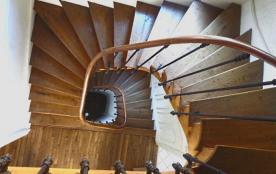 Au fil de Troyes. Escalier.