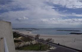 F2 cabine pour 6 personnes situé Palavas rive droite direct plage, face mer, en troisième étage, ...
