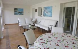 0040-NORFEU Casa con amarre y piscina