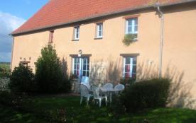 Gîtes de France - Maison mitoyenne à 4 autres locations.