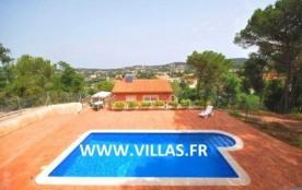 Villa CV Canx - Villa profitant de sa piscine privée et située dans un quartier tranquille avec p...