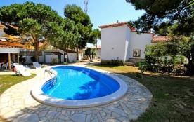 B14 FORTUNA villa, piscina privada y grán jardín
