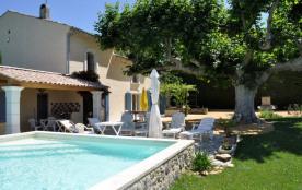 Maison de vacances à louer Suze la Rousse en Drôme provençale piscine privative.