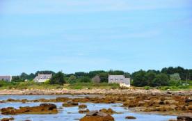 Villa bretonne vue mer à 50m mer et sentier du littoral à Landrellec en Pleumeur-Bodou, 1Km Plage...