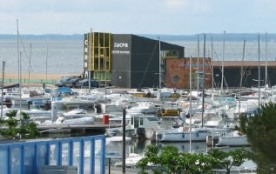 Le port avec 450 bateaux