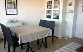 6 personnes maximum. Appartement dans immeuble. Location classée meublé de tourisme trois étoiles.
