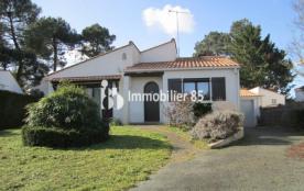 Maison indivituelle confortable avec beau jardin clôturé 1200m²