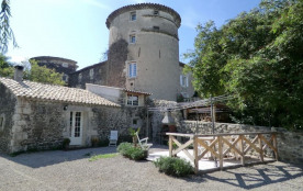 Chateau de Mauras situé entre Valence et Montélimar, à 10 minutes de l'autoroute A7, le Château d...
