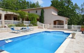 Belle villa avec piscine et tennis