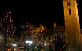 La place Manuel de nuit