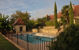 gîte en Périgord noir  à 12 mn de Lascaux, 2/4 personnes avec piscine privée - Bars