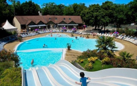 Camping Les Pierres Couchées 4* - MH Excellence  3ch 6-8pers avec terrasse