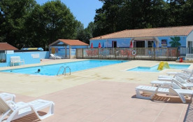 Camping Le Pont Rouge, 31 emplacements, 42 locatifs
