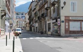Avenue de Genève à 250m de l'immeuble