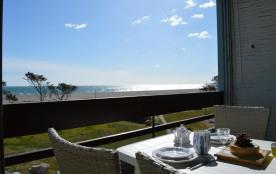 Appartement 2 pièces pour une location de vacances idéale au bord de mer.