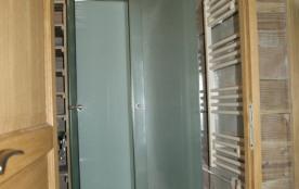 Salle de douche  meublé les Hêtres