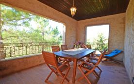 villas de 2 à 8 personnes à 1200m de la plage de Santa Giulia dans un écrin de verdure dans le Sud de la Corse