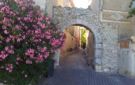 village médieval du Castellet à 10km