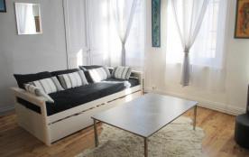 Gite Olivia duplex avec terrasse 100m plage, commerces, musée, restaurants, Wiffi