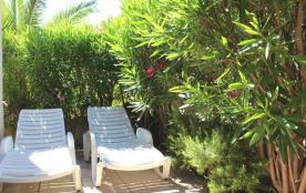 Résidence Lagunes du soleil - Pavillon 2 pièces mezzanine avec une piscine centrale.