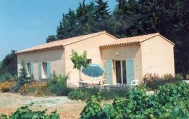Gîtes de France - Maison récente indépendante comportant 2 gîtes, dans les vignes.