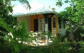 bungalow de charme arboré d'arbres fruitiers