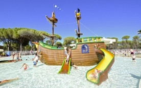 Camping CYPSELA RESORT - MH 2ch 5/6pers 30m² + Terrasse Bois