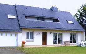 Maison avec jardin proche de la mer (300 m)96M².