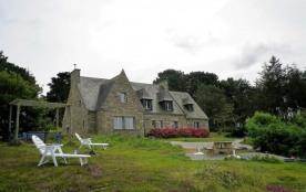 maison en pierre belle vue sur mer avec spa à 150 m plage et GR 34 pour 10 personnes