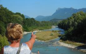 La Drôme à Crest 25 km de Valence accessible en bus ou train toutes les heures