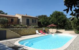 Superbe Villa neuve à Bédoin , 800M du centre du village .Piscine 10x4 couverte