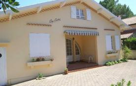 Quartier Plage et Port - Villa de 90 m² environ pour 7 personnes située à 100 m du port et à 400 ...