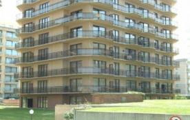 Appartement spacieux avec vue latérale sur mer