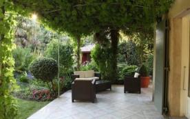 Saint Lary de Provence est une ravissante et spacieuse maison de vacances située dans le village typiquement provença...