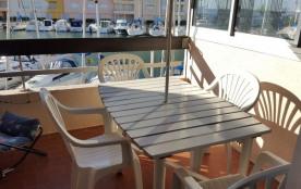 Résidence : Roches Brunes - Quartier : Avant-port - Type : Studio cabine. Étage : premier avec as...
