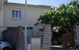 F4 en premier étage d'une maison pour 6 personnes situé Palavas rive droite dans le centre.
