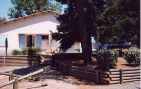 FR-1-359-49 - Village de gîtes de Montredon