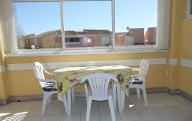 2 pièces 4 couchages au premier étage dans résidence à proximité de la plage avec piscine et tenn...