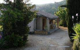 Gîtes de France - Cabanon indépendant et agrandi dans un très beau site, grand terrain non clos de 1,5 ha de vergers,...