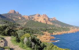Rochers d'Antéor à 14 km de la villa par la route de bord de mer