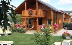 Chalet Edelweiss : 8 places - 67 m² utiles sur parcelle ≈ 270 m² - Au cœur du Parc Régional des Pyrénées Catalanes si...