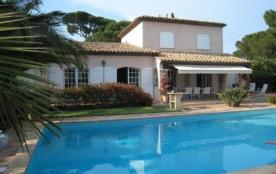COTE D'AZUR , SAINTE MAXIME, Var, Villa luxueuse avec vue magnifique sur la mer, à 400 m de la gr...