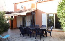 Au Cap d'Agde villa avec 4 chambres et piscine.