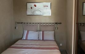 Chambre lit double (sans fenêtre)