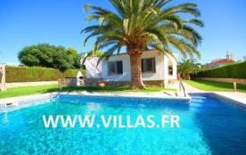 Villa CP Bole - Belle villa en partie rénovée, profitant d'un superbe jardin avec pelouse et palm...