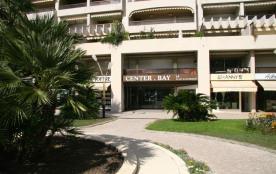 """L'immeuble """"Le Center Bay"""""""