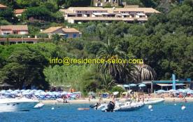 Le Lavandou-Pramousquier, appart vue mer, 2-6 pers. 0603266482 info@residence-selov.com  Plage à 350 m.