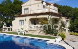 IB-4637 - Située au sein du lotissement de Las Tres Calas à Ametlla de Mar, cette villa pour 8 à ...