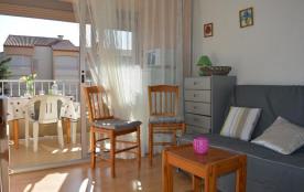 Appartement studio de 23 m² environ pour 2 personnes situé à 400 m de la mer et à environ 800 m d...