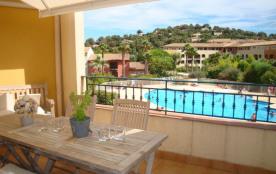 Superbe T4 pour 6 personnes maxi, terrasse vue piscine. Tennis